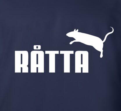 detail potisku trička Ratta Puma logo
